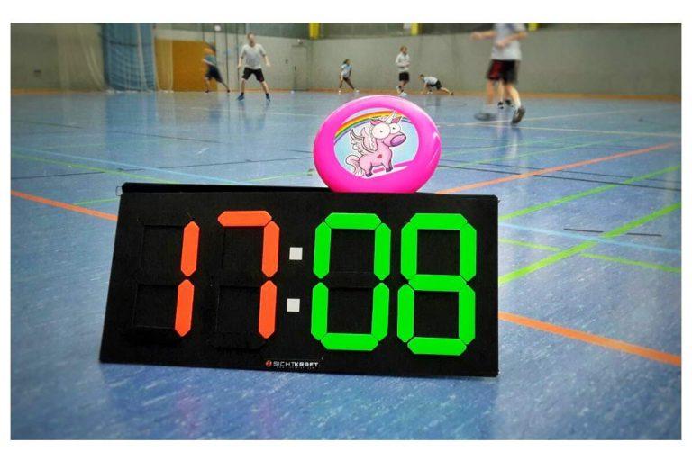Scoreboard mit Einhorn-Frisbee